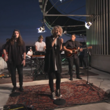 Hillsong United – Touch The Sky